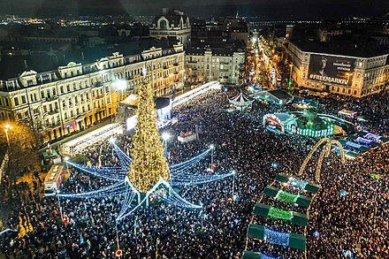 New Year celebration in Kiev Christmas tree in Kyiv, 2019-2020.jpg