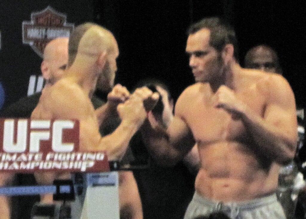 10 години от двубоят между Liddell и Ortiz в UFC