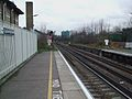Clapham High Street stn look west2.JPG