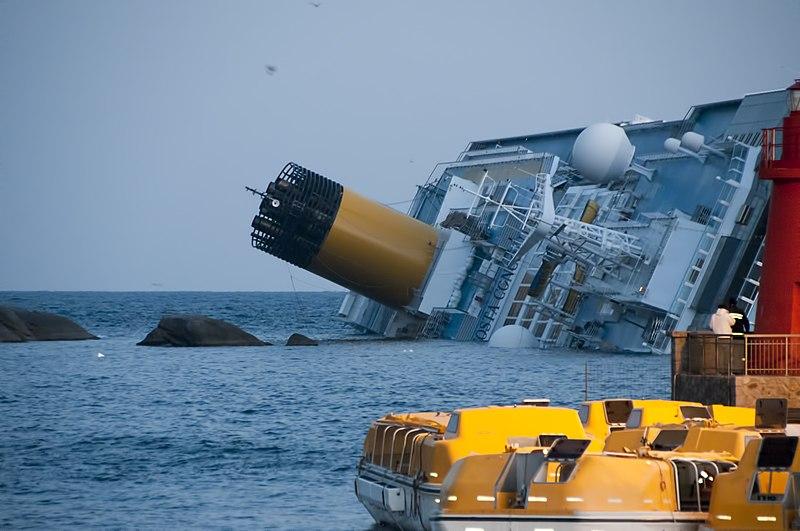 Ficheiro:Collision of Costa Concordia 5.jpg