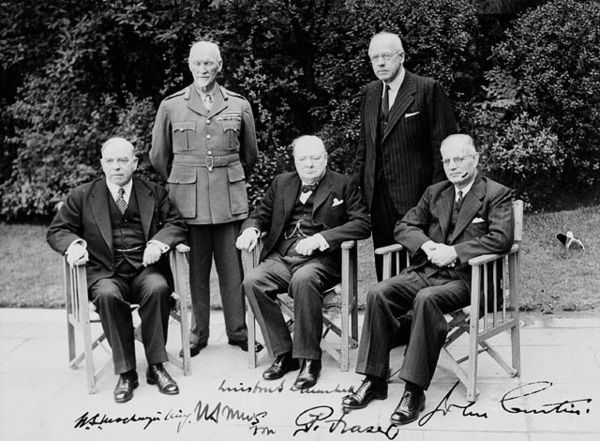 The heads of government of five members of the Commonwealth of Nations at the 1944 Commonwealth Prime Ministers' Conference. From left to right, Mackenzie King (Canada), Jan Smuts (South Africa), Winston Churchill (United Kingdom), Peter Fraser (New Zealand), and John Curtin (Australia). CommonwealthPrimeMinisters1944.jpg