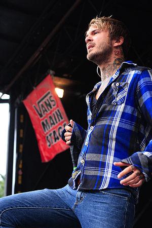 Craig Owens - Owens at the Vans Warped Tour in Mansfield, MA. 2009