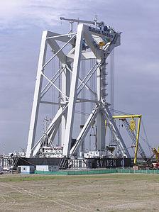 Crane Ship Svanen - May 2006.jpg