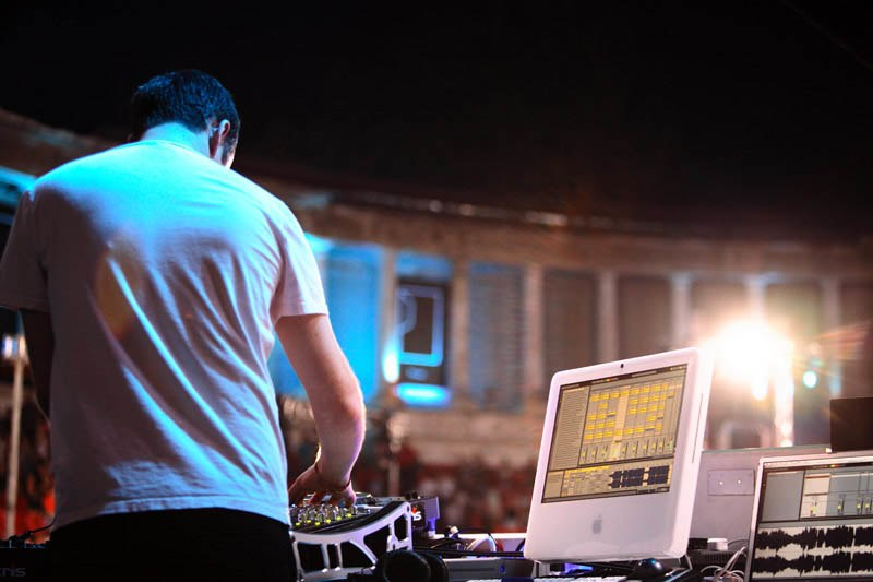 DJ Sasha at Arenele Romane, Bucharest (2006) (rear view)