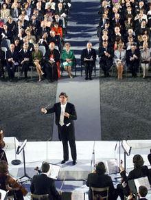 Daniele Gatti dirige l'Orchestra Giovanile Italiana al Palazzo del Quirinale il 2 febbraio del 2000