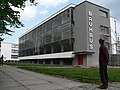 """Das """"Bauhaus Dessau"""" - panoramio.jpg"""
