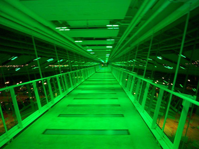 File:Davenport Skybridge at night.jpg