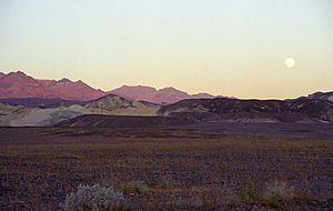 English: Moonrise over Death Valley north of F...