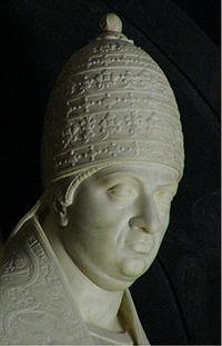 Detail from Papa Leo X alvorlig ind Santa Maria sopra Minerva in Rome.jpg