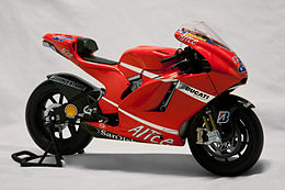 DucatiDesmosedici-001.jpg