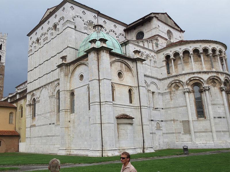 Duomo de San Martino de Lucca2.jpg