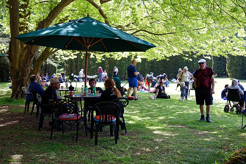 File:Easton Lodge Gardens, Little Easton, Essex, England outdoor café 01.jpg
