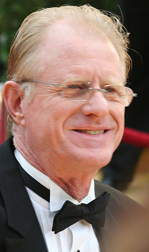 Ed Begley, <b>Kjøpe LIBRIUM på nett, köpa LIBRIUM online</b>, Jr.  at the 81st Academy Awards