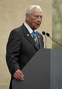 Ehlers speaking at a 2007 ceremony commemorating the anniversary of D-Day