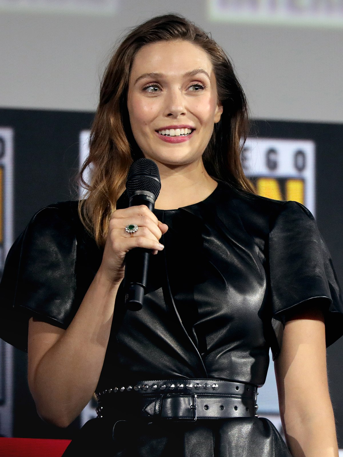 Elizabeth Olsen - Wikipedia