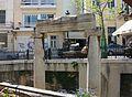 Entaulament i dues columnes, barri de Plaka, Atenes.JPG