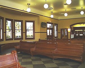 Eugene–Springfield station - Interior of the Eugene Depot