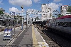 Euston station MMB A7 390017.jpg