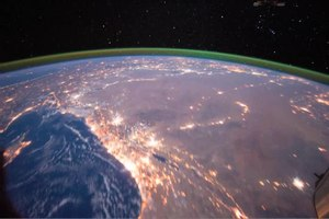 চিত্ৰ:Evening Pass over the Sahara Desert and the Middle East.ogv