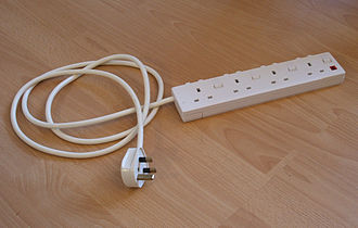 Extension cord - A power strip with power indicator and individual switches for each socket (UK)