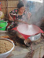 Fabrication des galettes de riz (Cai Be, Vietnam) (6653084457).jpg