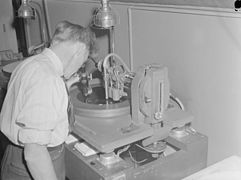 Feature. The Recording Machine - R.C.A. Victor Company BAnQ P48S1P10517.jpg