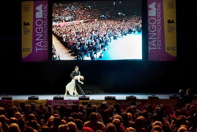 Archivo:Festival mundial de Tango en Buenos Aires, Argentina.jpg