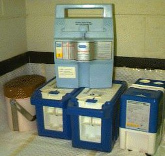 Technetium-99m generator - Five modern technetium-99m generators