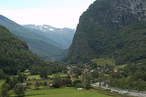 Flåm Line - In the lower parts, the valley widens and flattens out.