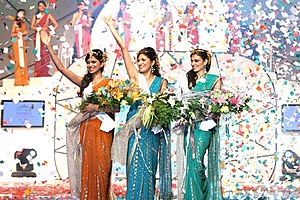 Simran Kaur Mundi - (from left to right)Harshita Saxena(Dethroned-Femina Miss India Earth 2008), Parvathy Omanakuttan (Femina Miss India World 2008) and Mundi (Femina Miss India Universe 2008)