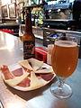 Formatge, cuixot i cervesa Spigha.jpg