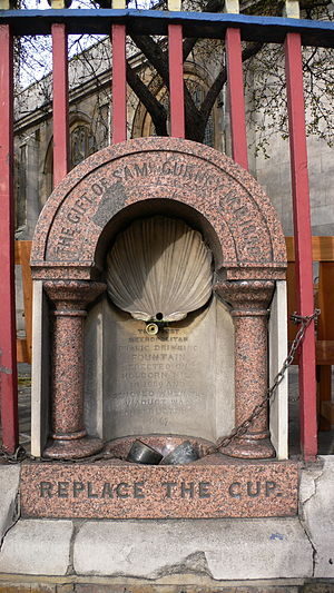 Drinking fountain - First drinking fountain installed by the Metropolitan Free Drinking Fountain Association