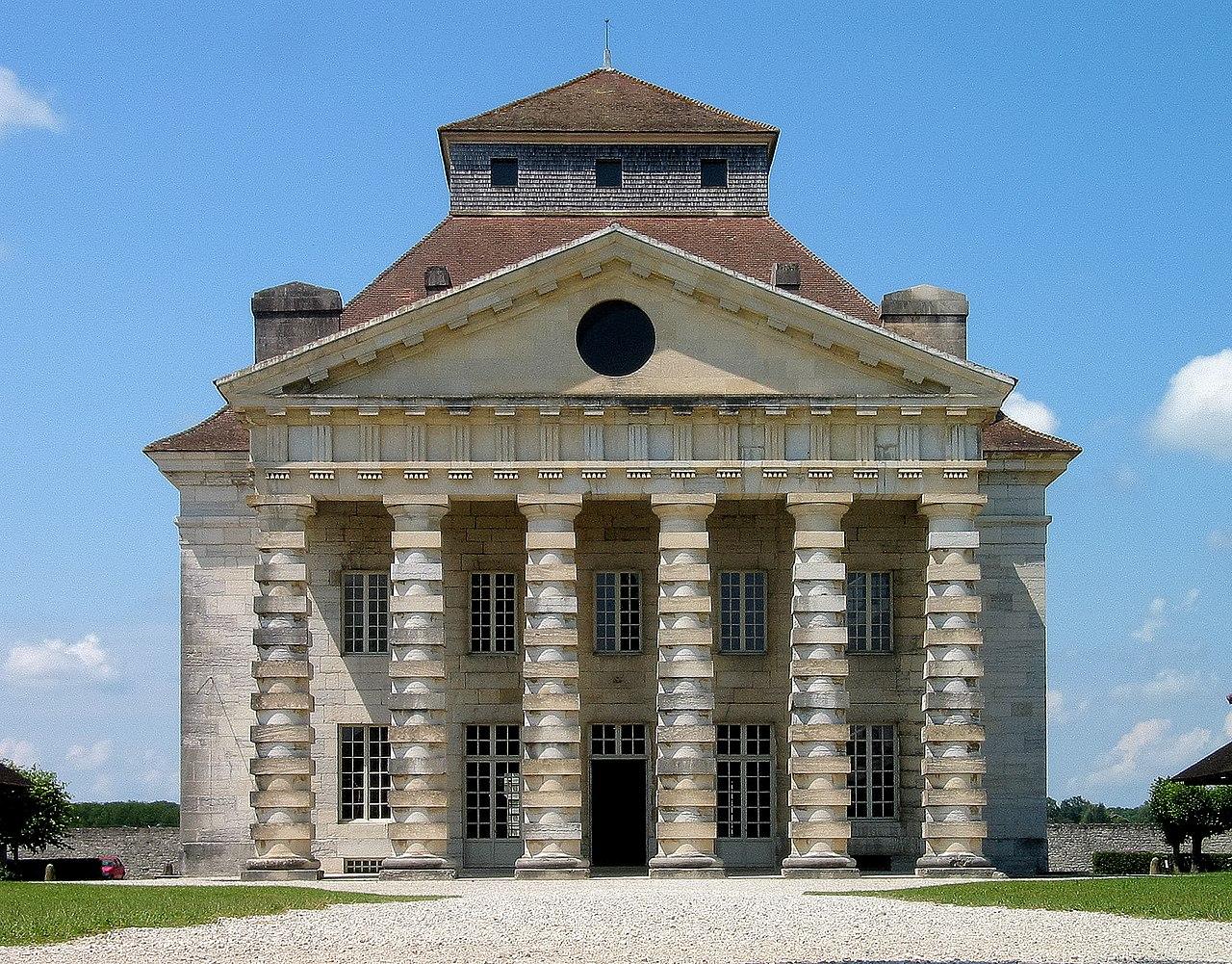 File france arc et senas saline royal main building for Arc et types