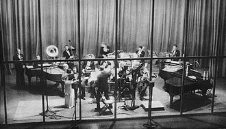 The Fleischmann's Yeast Hour - Rudy Vallée conducts his orchestra while guest star Frances Williams sings in 1933