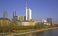 Frankfurt Main Skyline with Commerzbank Tower - 04.jpg