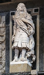 Frari (Venice) nave right - Statue of Almerico d'Este.jpg