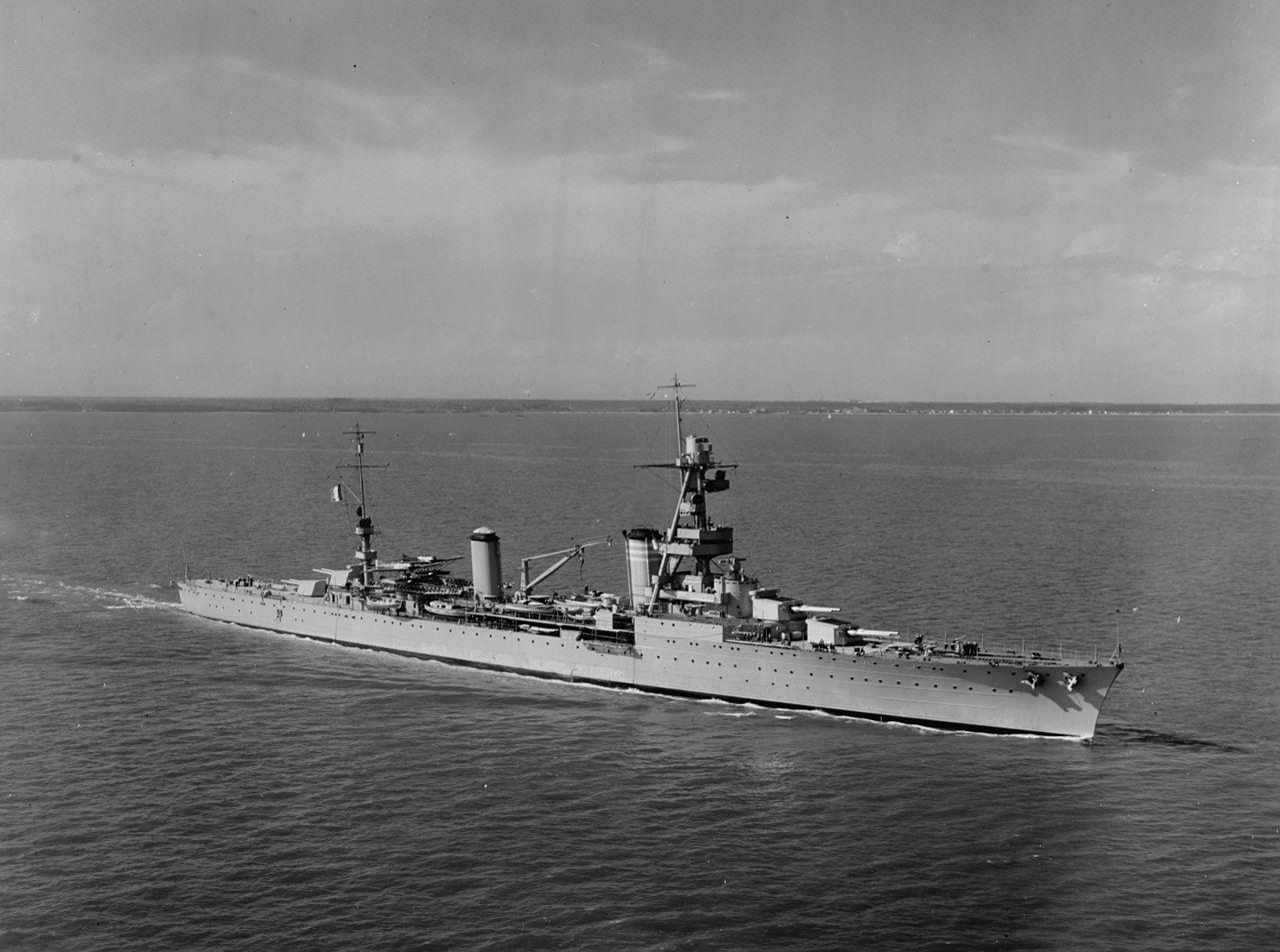 French heavy cruiser Suffren in Hampton Roads on 15 October 1931.jpg