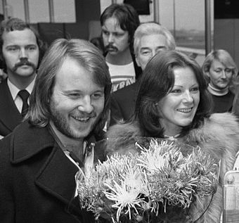 Benny Andersson and Anni-Frid Lyngstad in Amsterdam Airport Schiphol, 1976 Frida Lyngstad and Benny Andersson 1976b.jpg