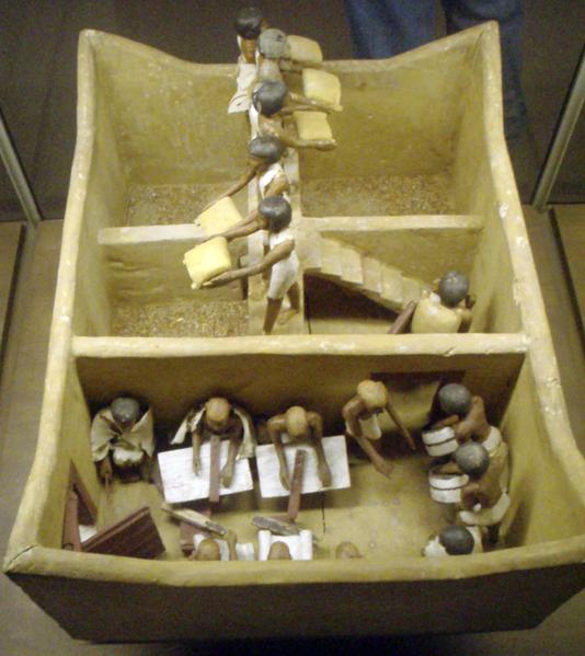 Model of a granary.
