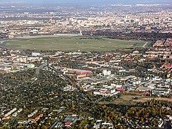 Gegenanflug Tempelhof.jpg