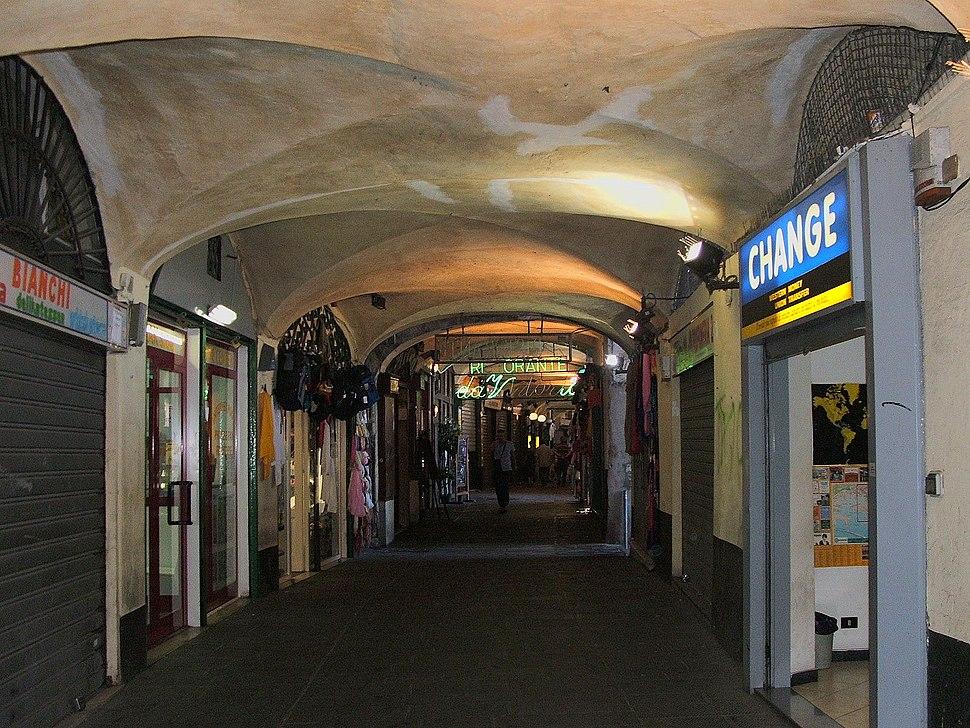 Genova-Portici di Sottoripa