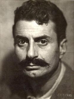 Giovannino Guareschi nel 1945.jpg