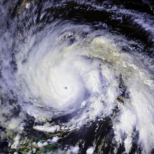 Hurricane Gloria - Image: Gloria 24 sep 1985 1813Z N9