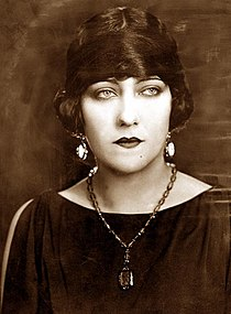 Gloria Swanson in The Impossible Mrs. Bellew.jpg
