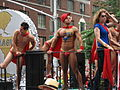 Go-go boys em parada-1.jpg