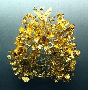 Staatliche Antikensammlungen - Golden garland of Armento