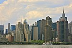 Goregous New York Skyline and the East River (5919374740).jpg