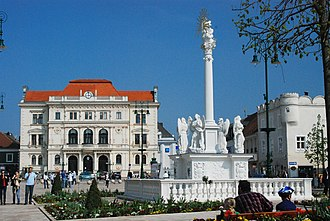 Tulln an der Donau - Main square with Marian column