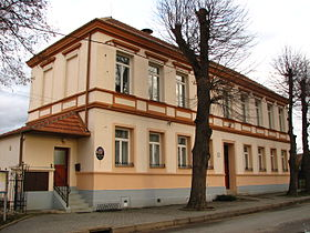 Hýsly - municipal office.jpg