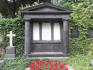 """Heinrich von Gagern - Tomb of Heinrich von Gagern in the """"Alter Friedhof"""" in Darmstadt (Germany)"""